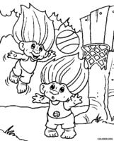 Trolls jogando basquete