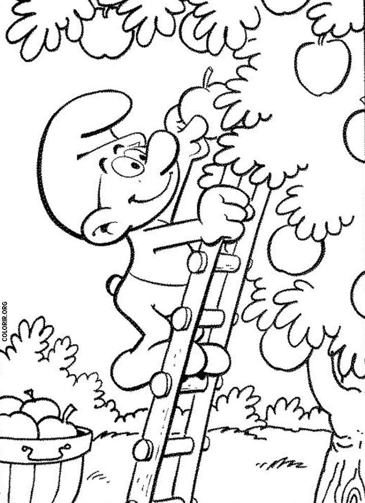 Desenho de Smurf colhendo frutas