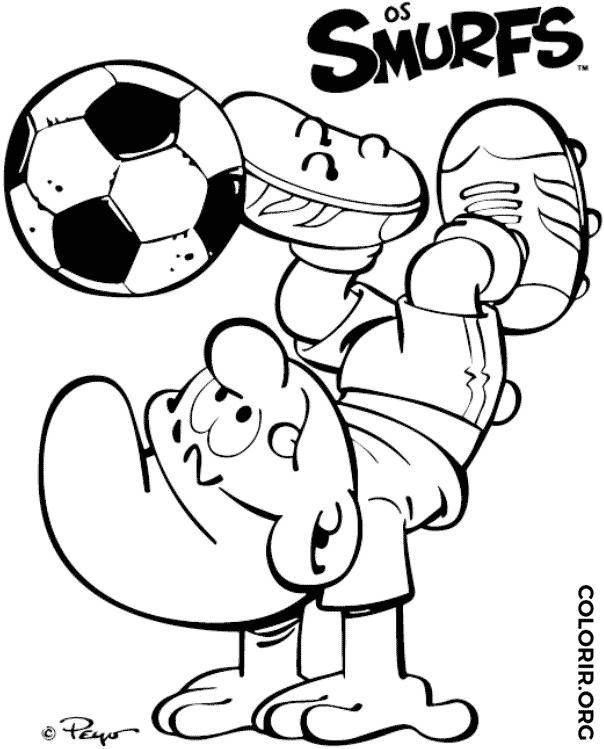 Smurf mostrando habilidade no futebol