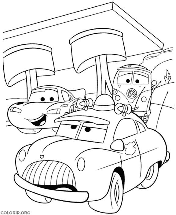 Carros em posto de gasolina para colorir