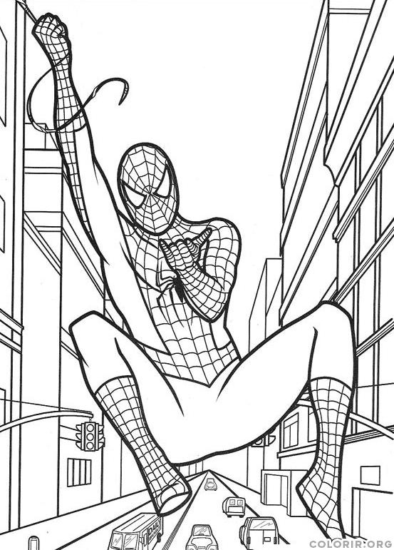 Homem Aranha no meio dos prédios