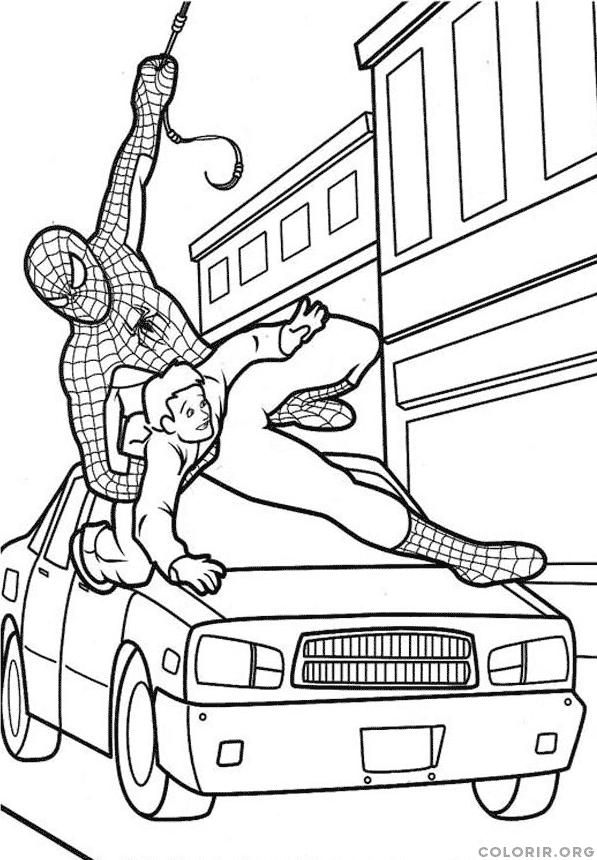 Homem Aranha salvando pessoa inocente