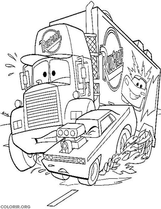 Mack sendo ultrapassado por carro veloz