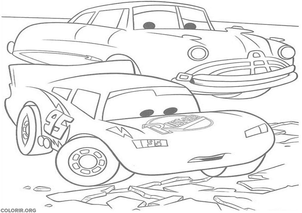 Relâmpago McQueen em estrada muito ruim