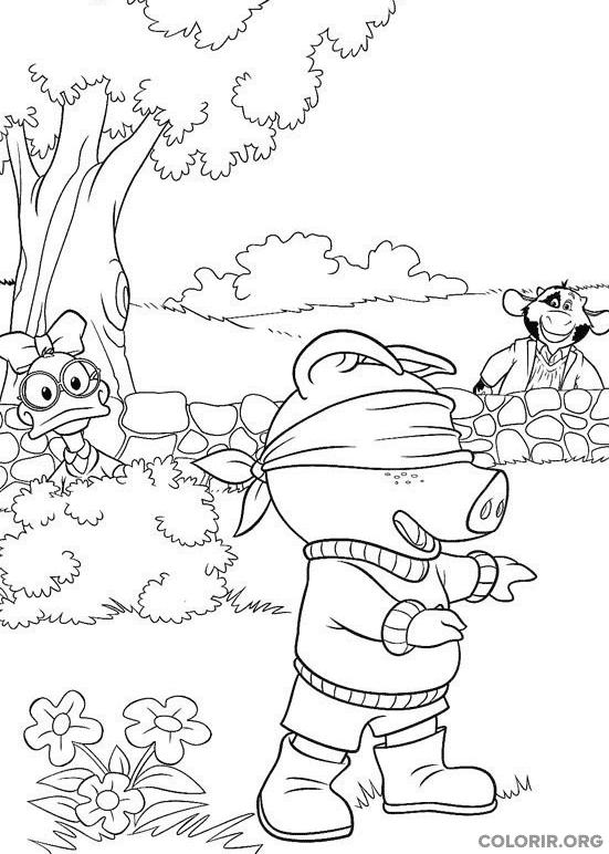 Piggley, Dannan e Fernandes brincando de esconde-esconde