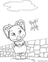 Molly Winks brincando com borboleta