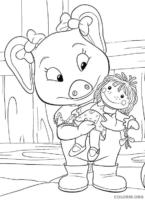 Molly Winks brincando de boneca