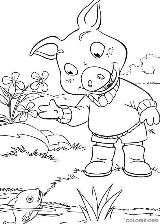 Piggley Winks brincando com peixe em lago